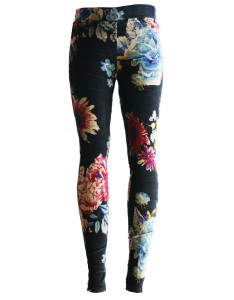 Flos Chrysanthemi Winter Leggings, a gorgeous knitting legging that echoes a tribal look with a colorful floral retro style.
