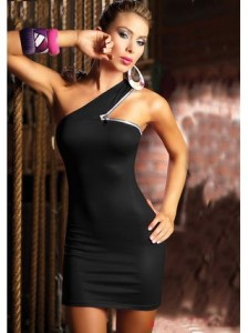 Shoulder open zipper dress is really shaping your body contour.