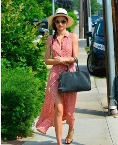 T-Shirt style floral long dresses plus a pair of golden sunglasses looks absolutely stylish.